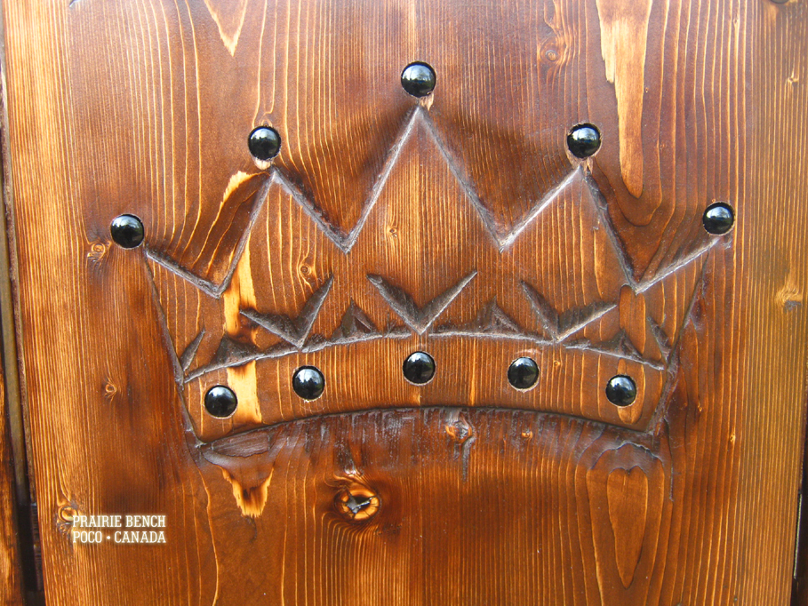 Prairie Bench crown throne replica 3